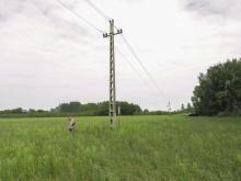 Középfeszültségű vezetékszakaszok felmérése Szatymaz térségében (Fotó: Csibrány Balázs)